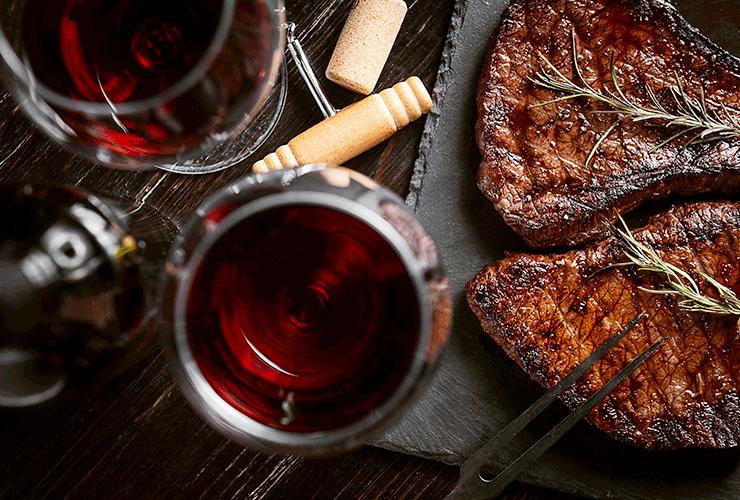 Pour un repas 100% Sud-Ouest, choisissez un vin en Côtes du Marmandais ou Côtes de Gascogne