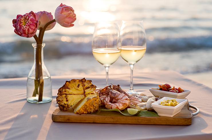 Avec un blanc sec sauvignon, n'ayez pas peur des plats exotiques pour votre repas de Saint-Valentin !