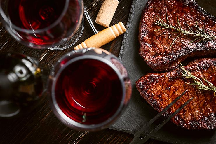 Vin Vieille Église Héritage et viande rouge